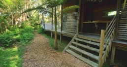 Melaleuca Surfside Backpackers Port Stephens